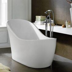 comment agrandir optiquement la petite salle bains- utilisez une baignoire sabot