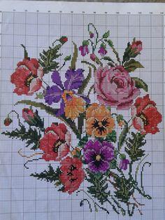 Cross Stitch Heart, Beaded Cross Stitch, Cross Stitch Animals, Cross Stitch Flowers, Cross Stitch Embroidery, Embroidery Patterns, Cross Stitch Designs, Cross Stitch Patterns, Black And White Flower Tattoo