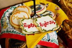's Birthday / Vintage Cowgirl - Photo Gallery at Catch My Party Western Party Foods, Western Parties, Cowgirl Cookies, Cowgirl Photo, Vintage Cowgirl, Cowgirl Birthday, Cowboy Party, Birthday Party Themes, Party Ideas