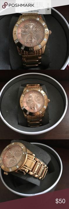 Rose gold Women's Relic Brand watch Beautiful Rose Gold Relic Brand Beth  Watch.                                •Analog-quartz movement. •Case diameter 40.5 mm •Stainless Steel bracelet •water resistant to 99 feet, withstands rain and splashes of water. •Cannot wear in the shower!!!!      All together very beautiful Watch... little shows of wear in photos. Will come with original box. Relic Accessories Watches