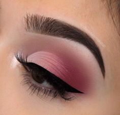 We all love eye makeup tutorial compilation videos and images, so here you go! As requested by most of our viewers, we are bringing you different eye makeup looks to match your everyday Makeup Eye Looks, Pink Eye Makeup, Glam Makeup, Makeup Inspo, Makeup Inspiration, Beauty Makeup, Makeup Tips, Makeup Ideas, Pink Eyeliner