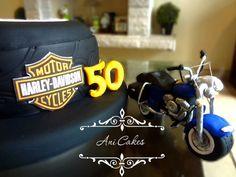 Harry Davidson Cake. 50 years old cake. Motorbike Cake. Sugar Motorbike. Men cake. Torta para caballero. Torta para 50 años. Torta para hombres.