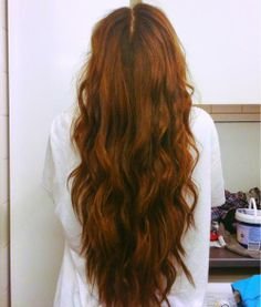 I always thought this was a nice hair color haha; love the loose waves too!