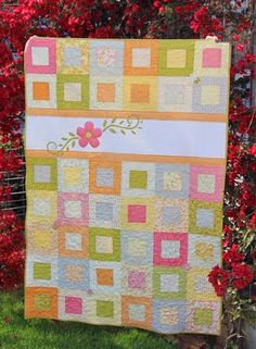 pretty Summer Squares #Quilt with flower applique