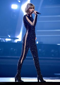 Taylor Swift live at the 2016 Grammy Awards