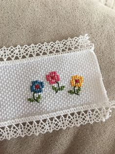 tiny flowers (picture only) Cross Stitch Boarders, Tiny Cross Stitch, Cross Stitch Alphabet, Cross Stitch Flowers, Cross Stitch Designs, Cross Stitching, Cross Stitch Patterns, Beaded Embroidery, Cross Stitch Embroidery