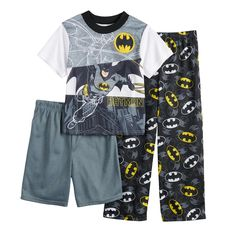 After a long day of saving the world, your little superhero will rest assured in these boys' Batman pajamas. Boys Pajamas, Toddler Boy Outfits, Toddler Boys, Baby Boys, Tinkerbell Outfit, Baby Superhero, Short Tops, Active Wear For Women, Little Girls