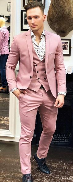 Pastel Suits For Guys In 2019 suit How To Style Pastel Suits - Pastel Suits For Guys In 2019 suit How To Style Pastel Suits Source by - New Mens Suits, Mens Fashion Suits, Best Prom Suits For Men, Prom Suits For Guys, Homecoming Outfits For Guys, Men's Fashion, Homecoming Dresses, Rose Gold Suit, Pink Suit Men