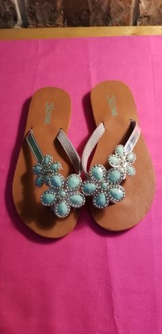 548e52b3f992 Girls Justice Silver Flip Flops With Turquoise Flowers Size 1M  fashion   clothing  shoes