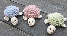 En lille skildpadde - Min kreative verden Chrochet, Baby Knitting Patterns, Cute Dolls, Japanese Art, Doll Toys, Crochet Necklace, Hair Accessories, Inspiration, Awesome