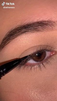 Makeup Eye Looks, Eye Makeup Steps, Eyebrow Makeup, Skin Makeup, Contouring Makeup, Glossy Makeup, Makeup Looks Tutorial, Eyeliner Tutorial, Makeup Inspo