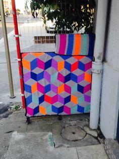 Yarn bombing vvvve Annemasse