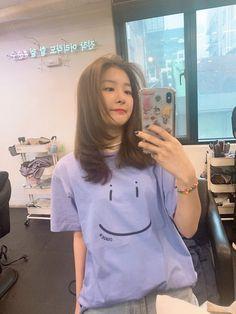 Red Velvet Seulgi, Back Home, Kpop Girls, Korean Girl, My Girl, Hair Cuts, Outfits, T Shirts For Women, Long Hair Styles