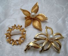 Lot x 3 Vintage 1980s GOLDTONE Flower Brooches KITSCH Faux Pearl #Unbranded