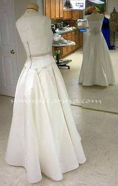 bustled wedding dress this is a typical bustle and is often called an started calling this a ballroom bustle because it results in making the gown look like a bustle wedding dress tulle Wedding Dress Types, Wedding Dress Train, Wedding Attire, Wedding Outfits, Types Of Dresses, Nice Dresses, Amazing Dresses, Wedding Gown Bustle, Wedding Gowns
