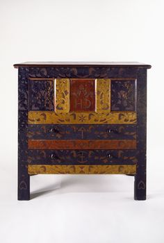 """Hatfield or Hadley, Massachusetts  1715-1720  Carved with the initials """"HD""""   Soft maple, chestnut, oak, white pine, iron, and paint  Gift of Dr. Ogden B. Carter Jr., 96.036"""