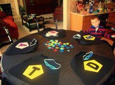 Great idea for a superhero birthday party =o)