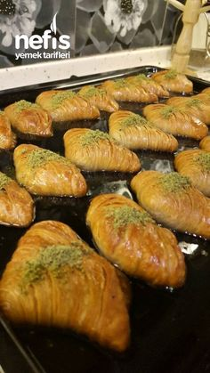 Turkish Recipes, Ethnic Recipes, Bread And Pastries, Middle Eastern Recipes, Pavlova, I Foods, Ham, Sausage, Deserts