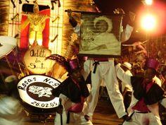 """O carnaval em São Carlos terá neste ano 6 escolas de samba: Padre Faustino, Rosas de Prata, Rosas Negras, Império Zona Sul, Acadêmicos de Santa Fé e Agremiação Imperatriz Botafoguense. Os desfiles, que acontecem entre os dias 6 e 8, serão abertos ao público, na Av. Trabalhador São-carlense. - A Corte Carnavalesca: A corte carnavalesca...<br /><a class=""""more-link"""" href=""""https://catracalivre.com.br/geral/agenda/barato/carnaval-desfile-das-escolas-de-samba-de-sao-carlos/"""">Continue lendo »</a>"""