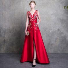Luxe Rouge Robe De Soirée 2018 Princesse V-Cou Sans Manches Perlage Ceinture Fendue devant Train De Balayage Dos Nu Robe De Ceremonie