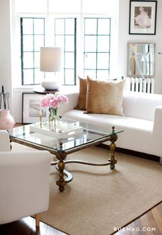 Living room decor. Identifying 12 of the Most Popular Interior Design Styles: Transitional | Rue
