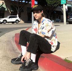 Zach Abels, Twenty One Pilots, Cool Bands, The Twenties, Baby Strollers, Beautiful People, The Neighbourhood, Legends, Crushes