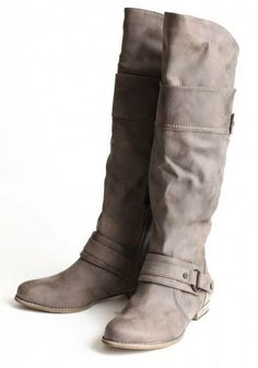 #I ve been looking for a pair of boots like this FOREVER but in black n brown