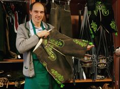 #Traditionelle #Lederhose #Handgearbeitet #Tracht (Traditional Lederhosen Are Hand Made By One Of The Last Remaining Tailors)