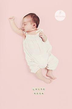 Babyfotografie  Newbornportrait/ Neugeborenenfoto der Fotografin Miriam Ellerbrake aus Berlin // Little Monkey Photography