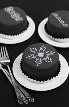 Earl Grey Poppy Seed Tea Cakes