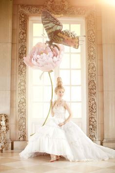 Amber Gray trabaja en el mundo de la moda y la publicidad, además de tener un extenso trabajo conceptual artístico.  http://www.ambergrayphotography.com/