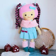 Cukierkowa lalka Ida 43 cm - wersja zimowa Doll Clothes, Harajuku, Dolls, Handmade, Baby Dolls, Hand Made, Puppet, Doll, Baby Dresses
