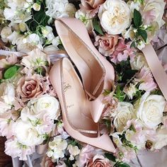 The sparkling trim on these gold heels adds a touch of glamour. #blush…