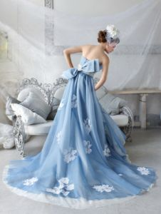Strapless Embroidered Blue Wedding Dress - I love the white touches on the blue - a great way to add white, and the lace look shows up so much better than white on white! Blue Wedding Gowns, Colored Wedding Dresses, Bridal Gowns, Dress Wedding, Pretty Dresses, Blue Dresses, Prom Dresses, Marine Uniform, Rosa Pink