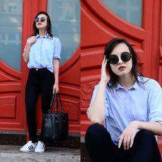 Daria R. - Baby blue shirt, high waist trousers, white sneakers
