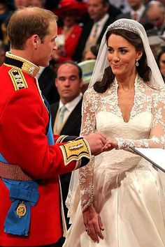 April 29, 2011: Prince William and Kate Middleton marry at Westminster Abbey, London, England. The ring of Welsh gold, keeping with tradition.