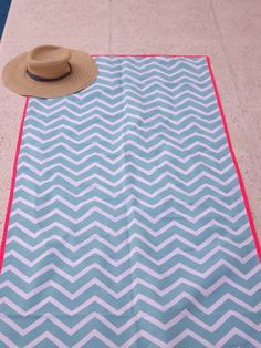 Cuadros Diy, Picnic Blanket, Outdoor Blanket, Just Do It, Ideas Para, Diy And Crafts, Towel, Textiles, Sewing