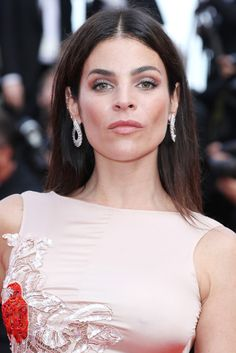 Julia Restoin-Roitfeld Long Straight Cut - Julia Restoin-Roitfeld wore her hair straight and parted down the center when she attended the Cannes premiere of 'The Unknown Girl.'