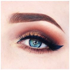 Today I decided to go for quite a natural eyelook with a beautiful navy liner… Kiss Makeup, Makeup Art, Beauty Makeup, Eye Makeup, Makeup Stuff, Makeup Goals, Makeup Inspo, Makeup Inspiration, Tartelette In Bloom Looks