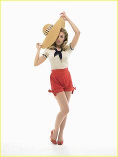 Adorable vintage outfit (Kristen Bell)