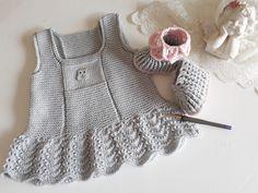 Knitting For Kids, Easy Knitting, Baby Knitting Patterns, Crochet For Kids, Crochet Baby, Knit Crochet, Baby Outfits, Baby Girl Dresses, Kids Outfits