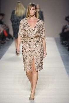 Elena Miro Fall 2012 Runway Imágenes - Beautiful Plus Fashion - Xl Mode, Mode Plus, Curvy Fashion, Girl Fashion, Plus Fashion, Couture Fashion, Fashion Show, Plus Size Fashionista, Curvy Models
