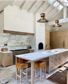 Home Interior Modern .Home Interior Modern Classic Kitchen, New Kitchen, Kitchen Dining, Kitchen Decor, Kitchen Ideas, Long Kitchen, Natural Kitchen, Awesome Kitchen, Rustic Kitchen