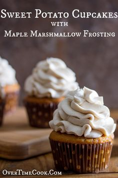 Sweet Potato Cupcakes topped with Maple Marshmallow Frosting are flavorful, moist and so unique! Sweet Potato Cupcakes topped with Maple Marshmallow Frosting are flavorful, moist and so unique! Köstliche Desserts, Delicious Desserts, Dessert Recipes, Yummy Food, Health Desserts, Christmas Desserts, Unique Cupcake Recipes, Drink Recipes, Gourmet Cupcake Recipes