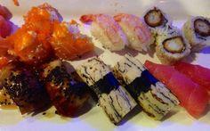 Sushi SOHO !!! Hmmmm Sushi Time, Soho, Japanese, Ethnic Recipes, Japanese Language, Small Home Offices