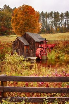 Old Crawford Farm Grist Mill ~ Exploring New England & Fall Foliage Beautiful World, Beautiful Places, Beautiful Pictures, New England Fall Foliage, Fotografia Macro, Autumn Scenes, Water Mill, Fall Pictures, Old Barns