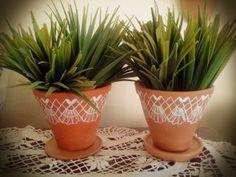 Vasos de ceramica com renda de bilro pintada a mão.