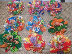 Flores de chita, adorno via Renata Liporaci: Arraiá Chic                                                                                                                                                                                 Mais