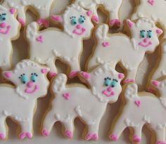 Baby Lamb Decorated Cookies  HV: cukormáz habzsák dekorcső coupler Megvásárolhatsz mindent a GlazurShopban! http://shop.glazur.hu #kekszdekoracio