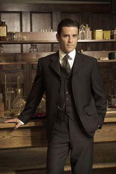 Murdoch Mysteries - Detective William Murdoch *CIP* - will be gender-bending to a femme-Murdoch. Oh boy. John Watson, Mrs Marple, Murdock Mysteries, Detective Shows, Detective Agency, Ideal Man, Cinema, Historical Clothing, Men's Clothing